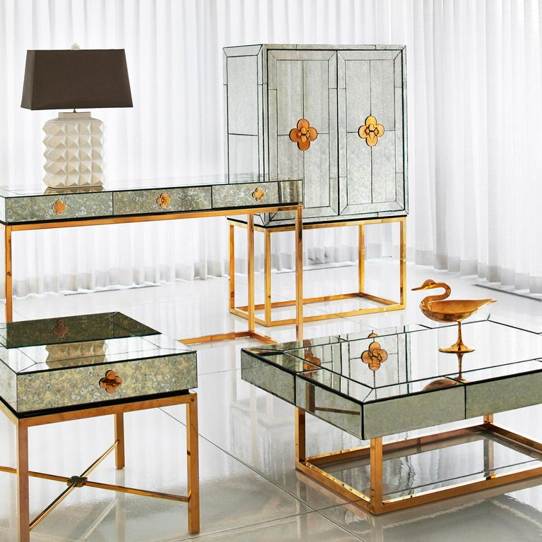Modern Delphine Mirrored Side Table For Sale