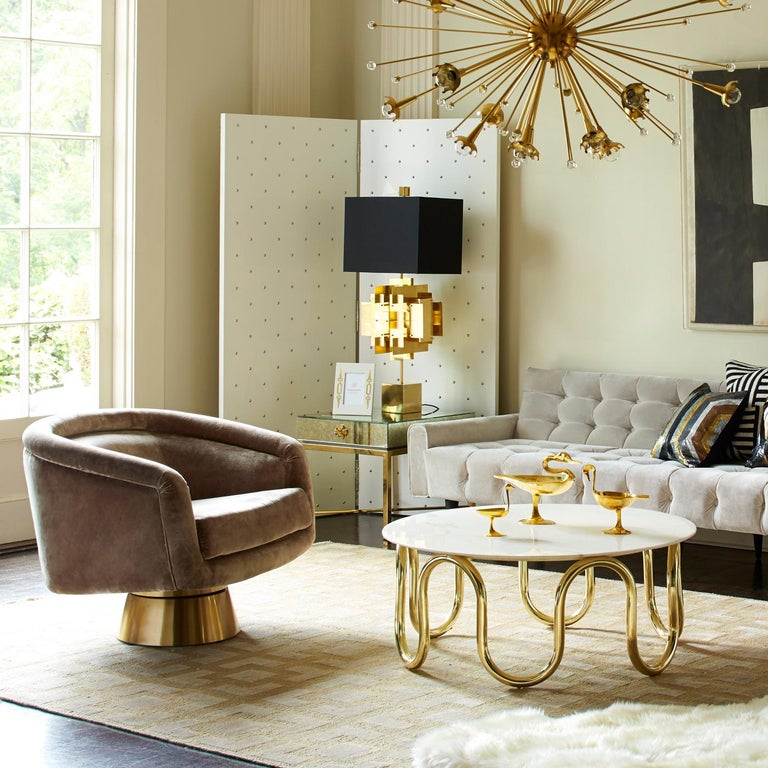 Delphine Mirrored Side Table In New Condition For Sale In New York, NY