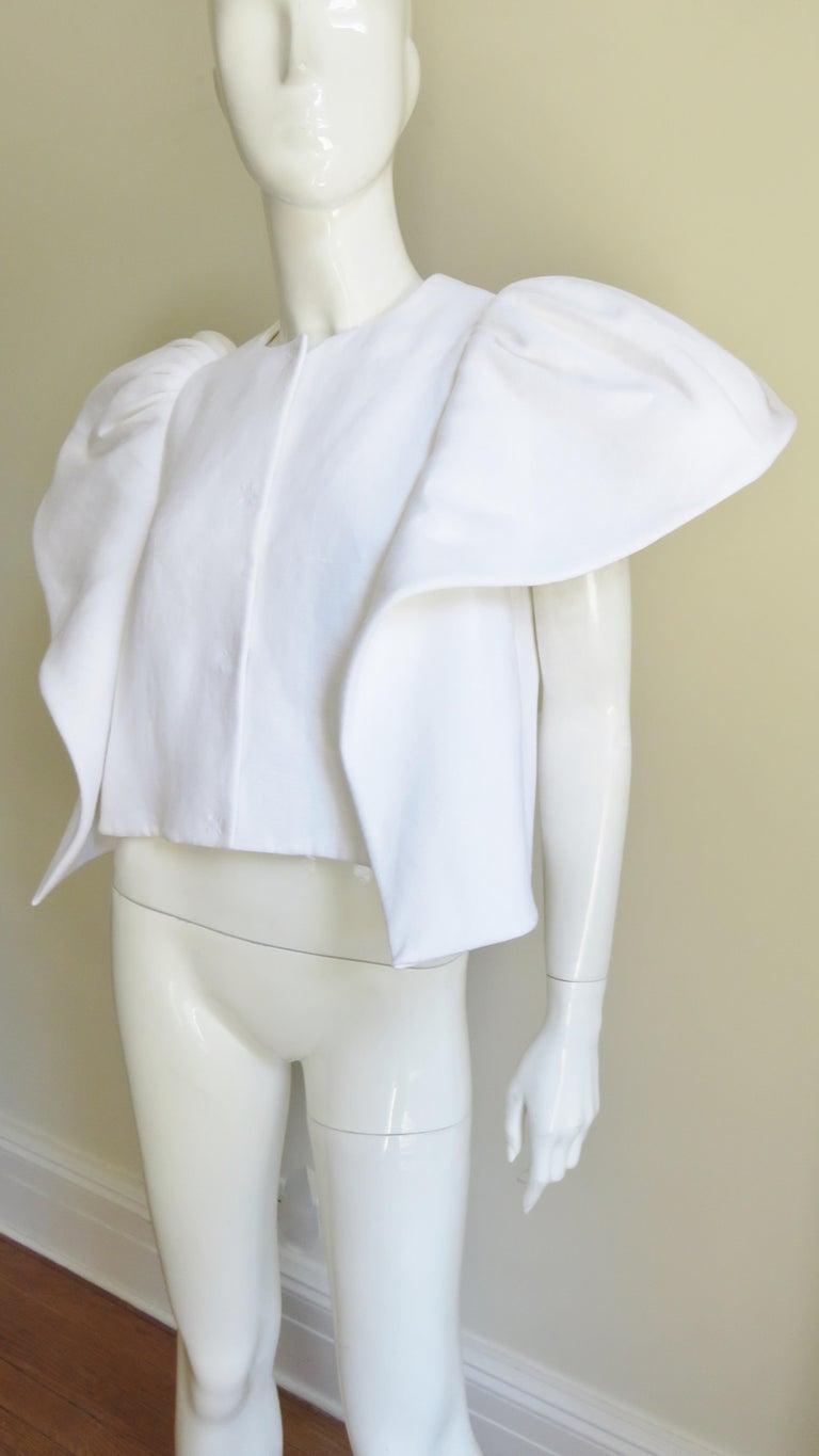 Delpozo Sculptural Linen Jacket In Good Condition For Sale In New York, NY
