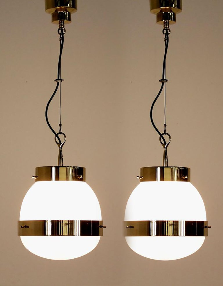 Delta Grande Pendant Light Glass Brass by Sergio Mazza for Artemide, 1960s, Pair For Sale 3