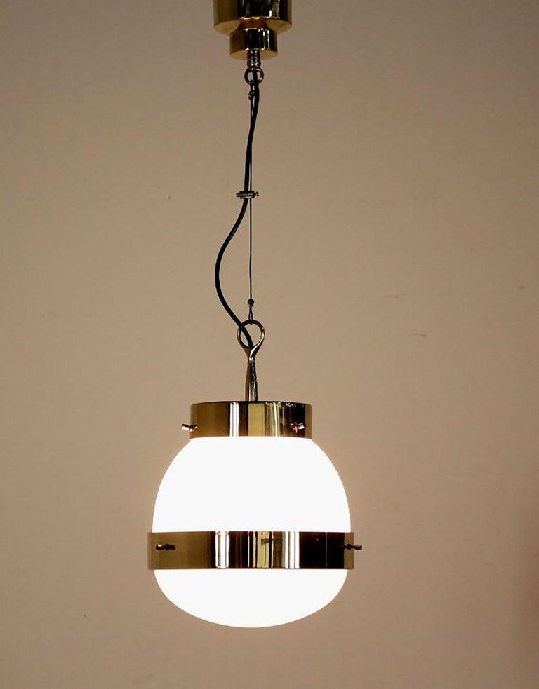 Delta Grande Pendant Light Glass Brass by Sergio Mazza for Artemide, 1960s, Pair In Good Condition For Sale In Rijssen, NL