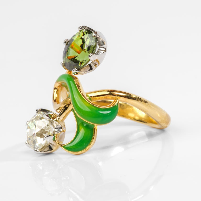 Demantoid Garnet and Diamond Ring Art Nouveau Style In Excellent Condition For Sale In Southbury, CT