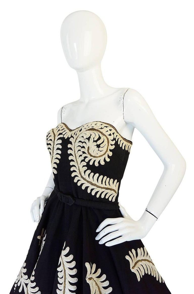 Women's Demi-Couture 1950s Unlabeled Hand Applied Cord Applique Strapless Dress For Sale