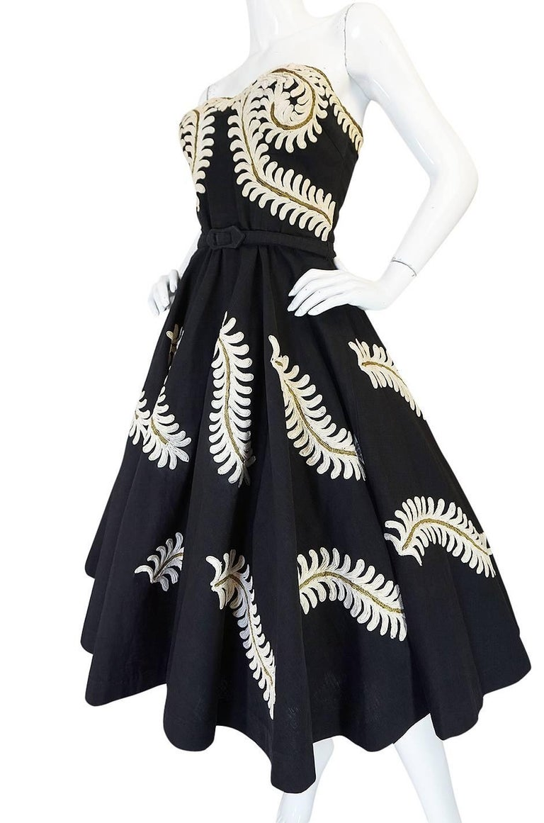 Demi-Couture 1950s Unlabeled Hand Applied Cord Applique Strapless Dress For Sale 1