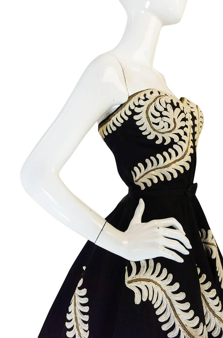 Demi-Couture 1950s Unlabeled Hand Applied Cord Applique Strapless Dress For Sale 2