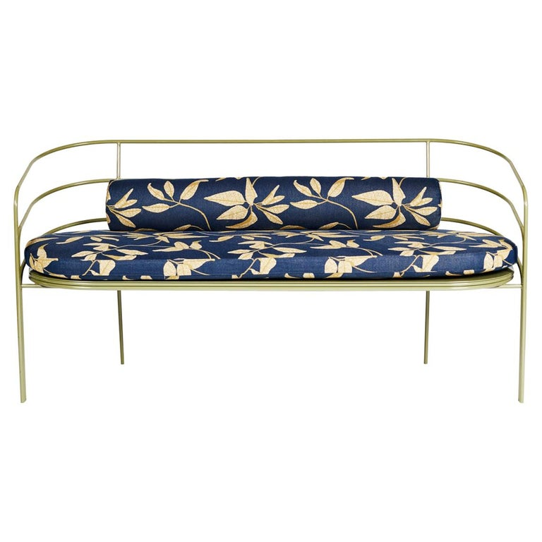 Demille, Indoor/Outdoor Powder-Coated Stainless Steel Sofa by Laun For Sale