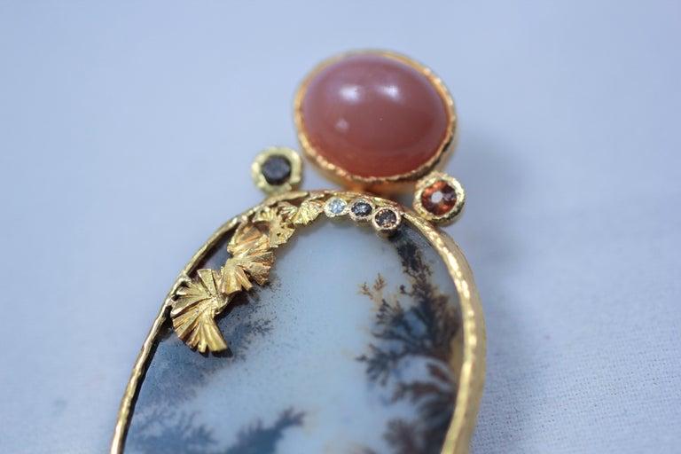 Contemporary Dendrite Agate Moonstone Diamond 22K-21 Karat 18K Gold Pendant Choker Necklace For Sale