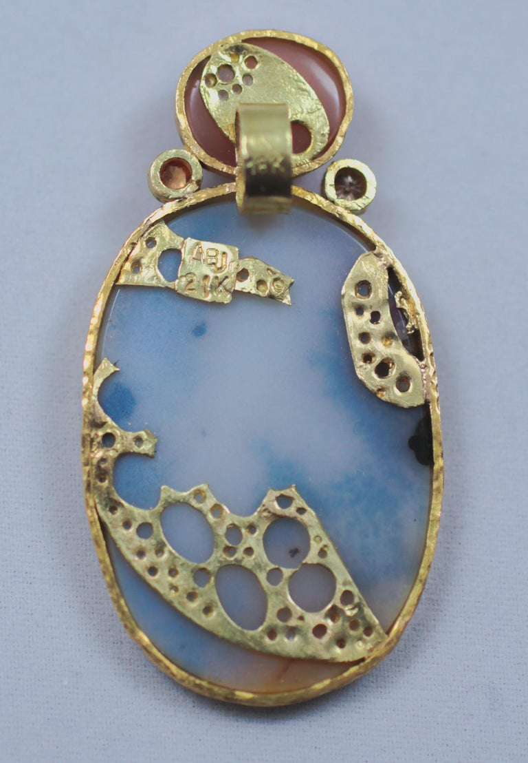 Dendrite Agate Moonstone Diamond 22K-21 Karat 18K Gold Pendant Choker Necklace In New Condition For Sale In New York, NY