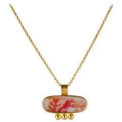 Dendritic Agate Coral Floral Leaf Design 22 Karat Yellow Gold Pendant Necklace