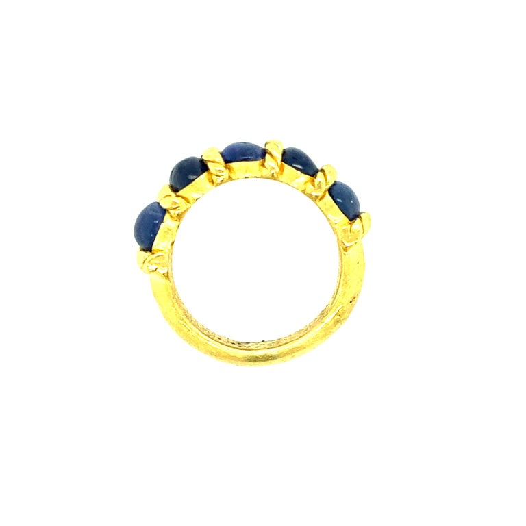 Contemporary  22 Karat Gold Natural Blue Oval Sapphire Ring For Sale