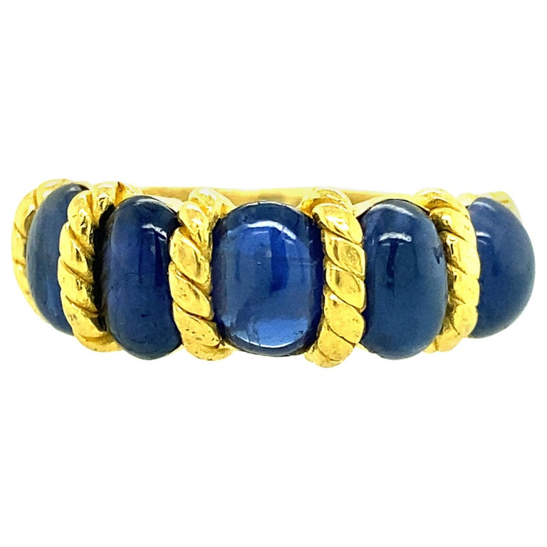 22 Karat Gold Natural Blue Oval Sapphire Ring For Sale