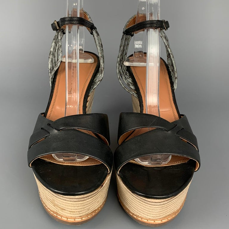 DEREK LAM Size 6 Black & Tan Leather Wood Wedge Sandals In Good Condition For Sale In San Francisco, CA