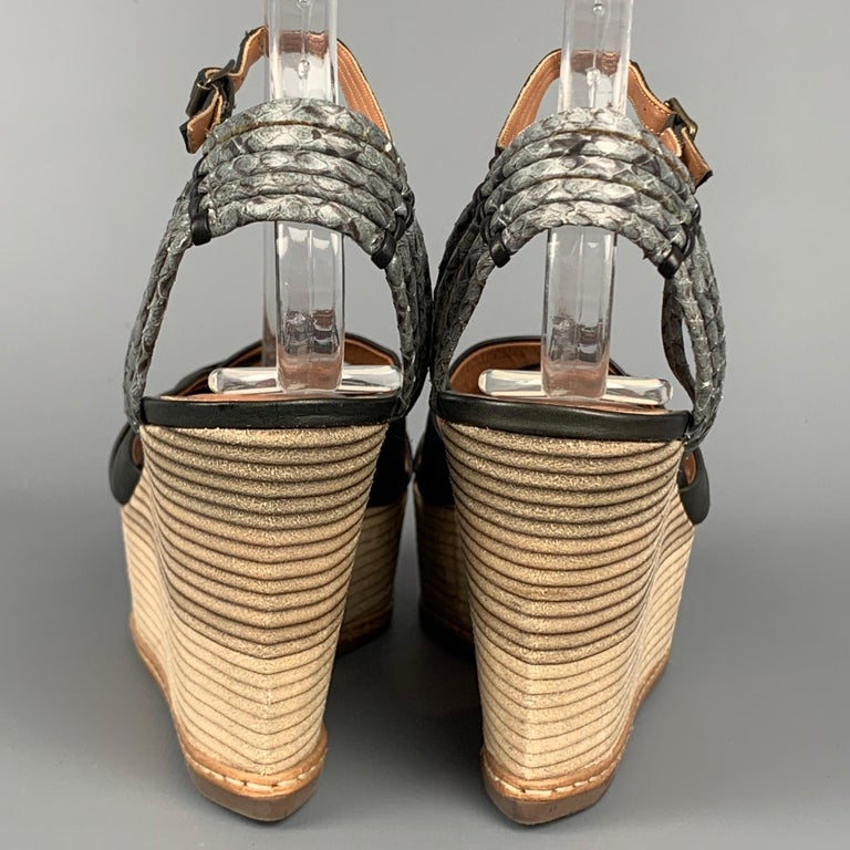 Women's DEREK LAM Size 6 Black & Tan Leather Wood Wedge Sandals For Sale