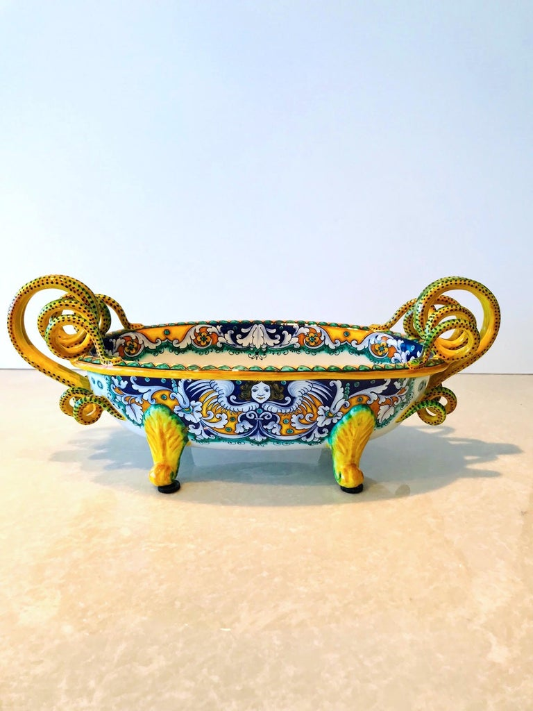 Deruta Hand Painted Majolica Centerpiece Bowl with Serpentines, 1980s For Sale 3