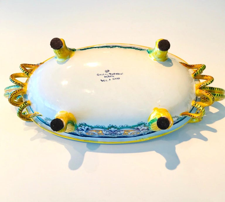 Deruta Hand Painted Majolica Centerpiece Bowl with Serpentines, 1980s For Sale 6