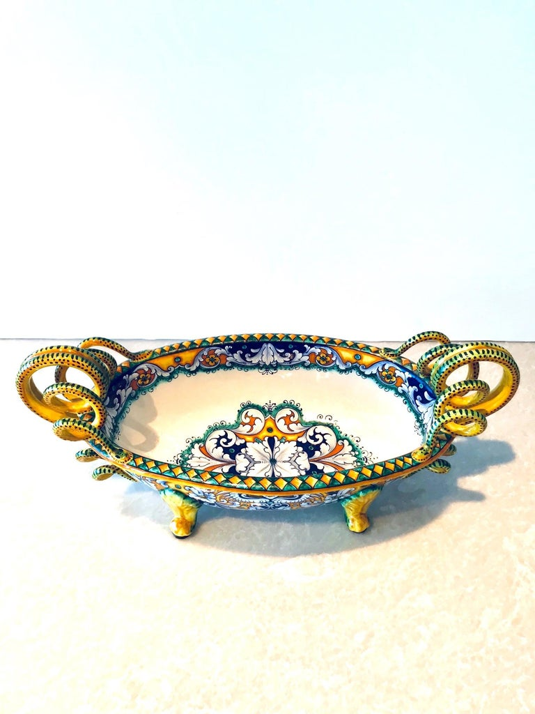 Renaissance Revival Deruta Hand Painted Majolica Centerpiece Bowl with Serpentines, 1980s For Sale