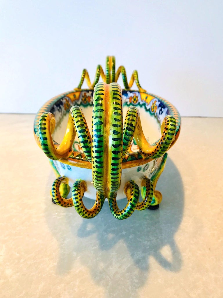 Late 20th Century Deruta Hand Painted Majolica Centerpiece Bowl with Serpentines, 1980s For Sale