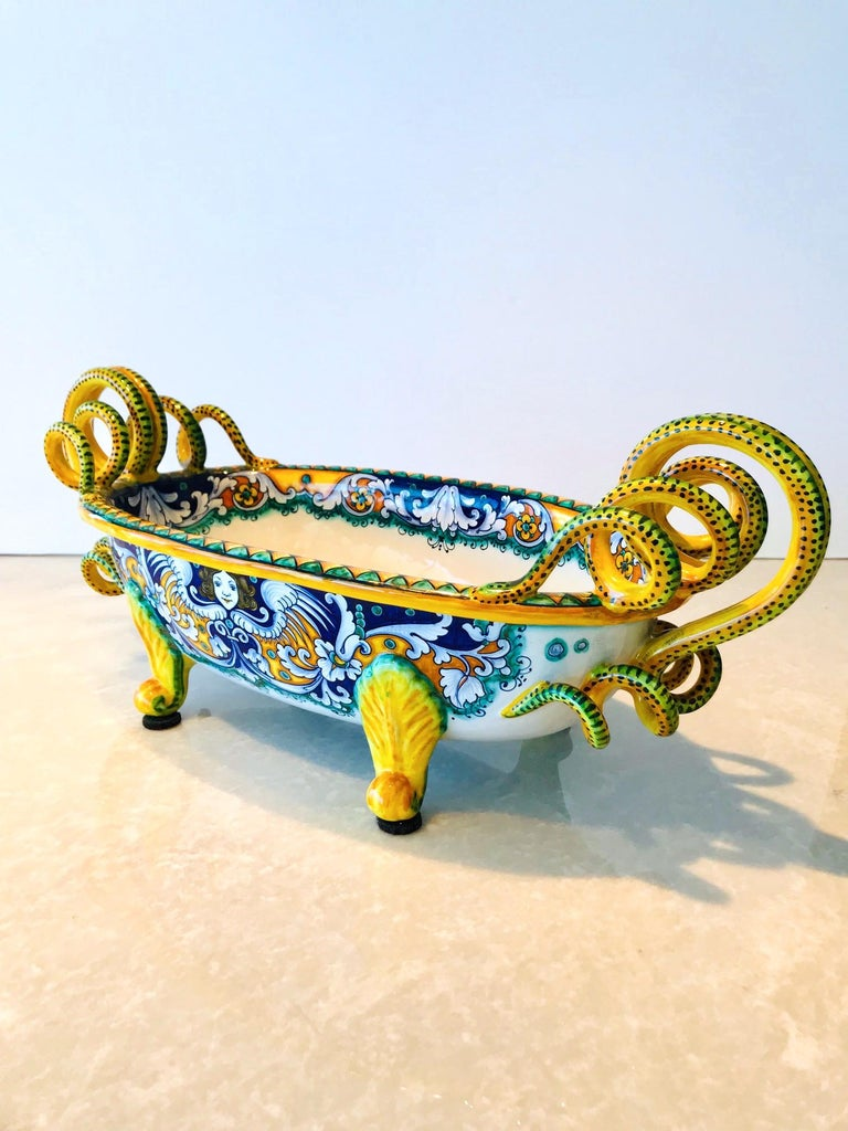 Deruta Hand Painted Majolica Centerpiece Bowl with Serpentines, 1980s For Sale 2