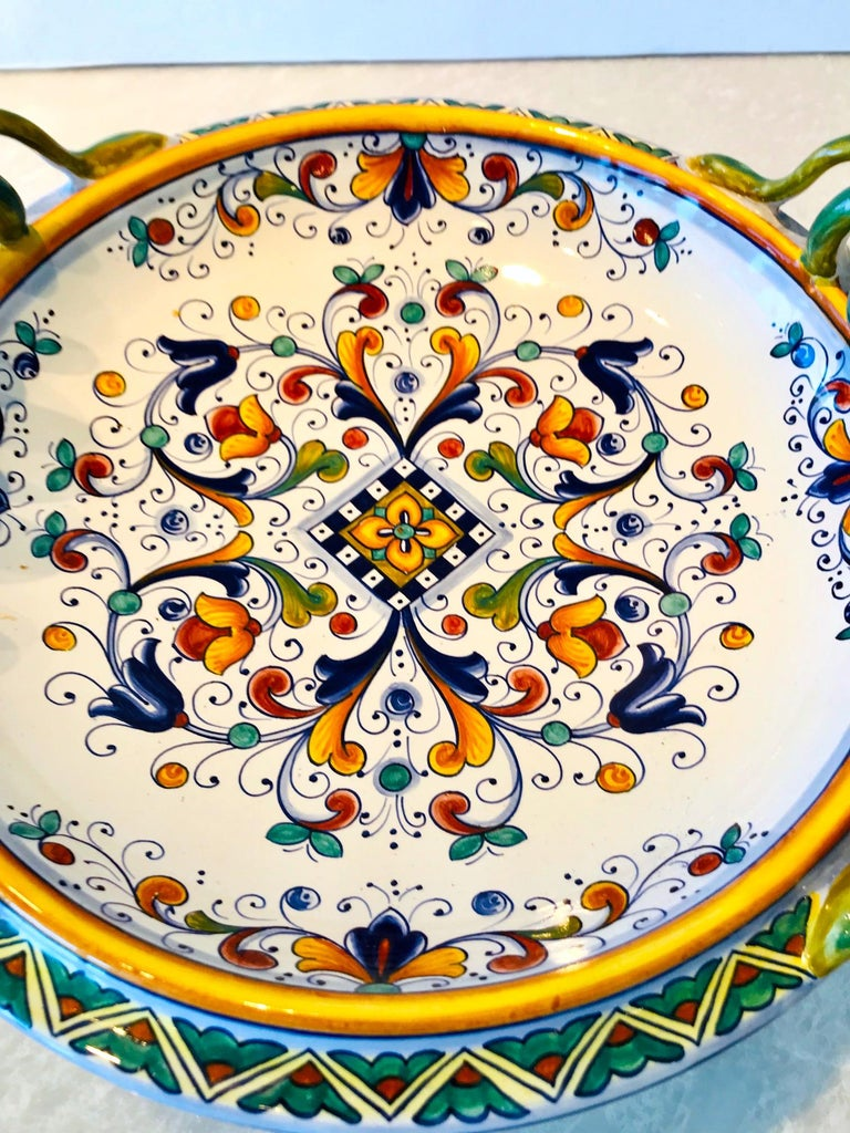 Deruta Hand Painted Majolica Pedestal Bowl with Serpentines, 1980s For Sale 5