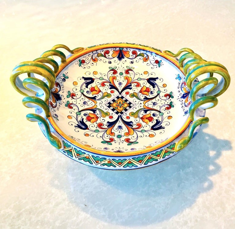 Glazed Deruta Hand Painted Majolica Pedestal Bowl with Serpentines, 1980s For Sale