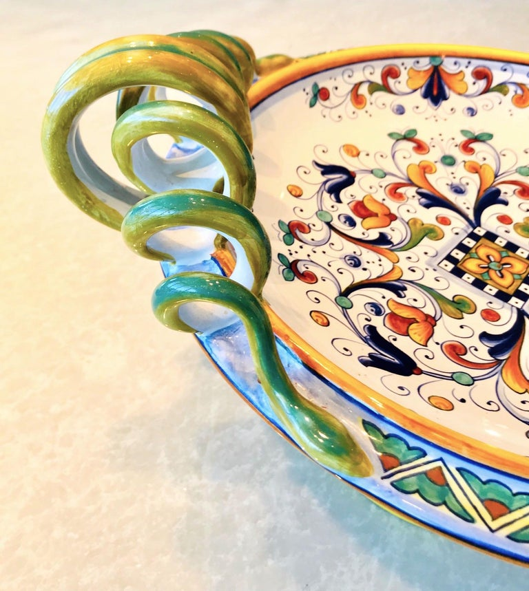 Late 20th Century Deruta Hand Painted Majolica Pedestal Bowl with Serpentines, 1980s For Sale