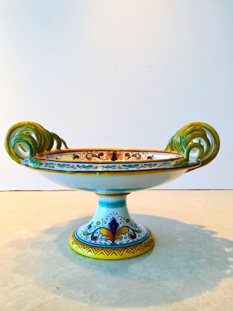 Deruta Hand Painted Majolica Pedestal Bowl with Serpentines, 1980s For Sale 2