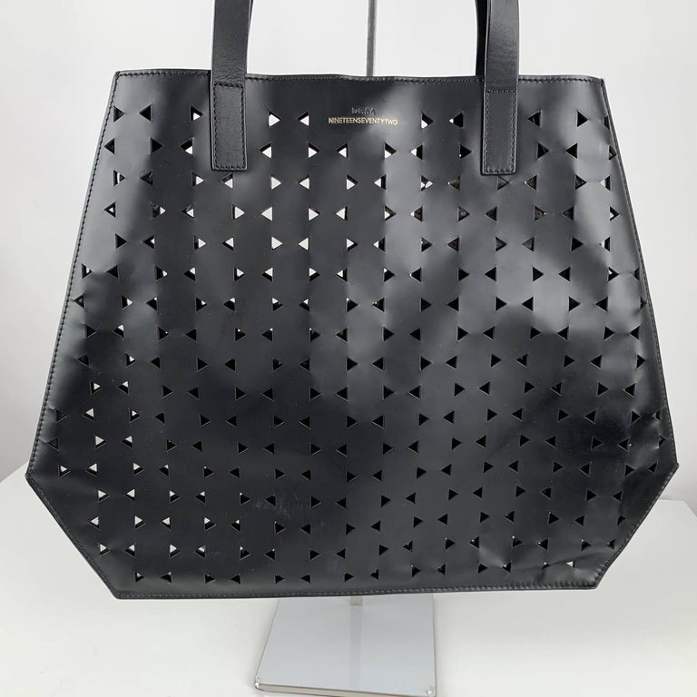 Desa 1972 Structurated Tote Shoulder Bag For Sale 1