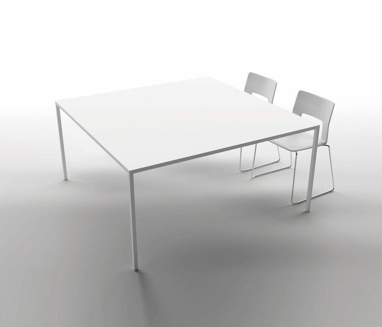 Desalto 25 Table Designed by Metrica Bruno Fattorini & Robin Rizzini In New Condition For Sale In New York, NY