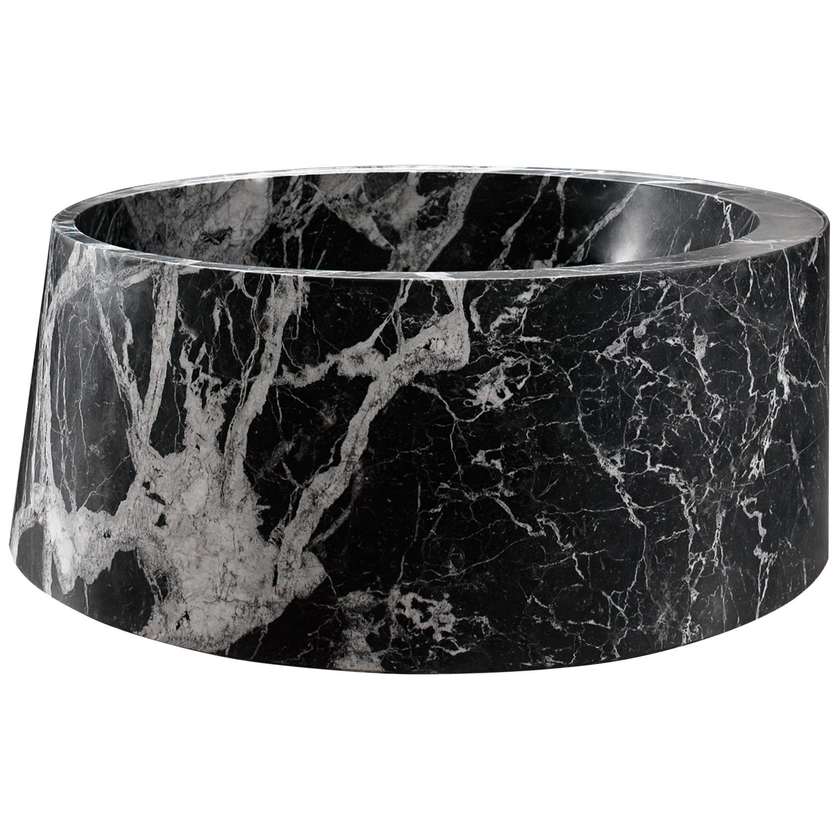 Desco Circle Bathtub Made of Marble Customizable