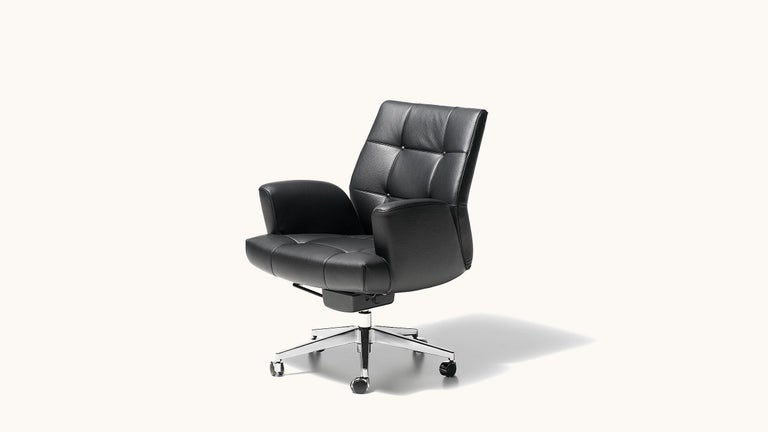 De Sede DS-257/01 Executive Armchair in Black Upholstery by De Sede Design Team In New Condition For Sale In New York, NY