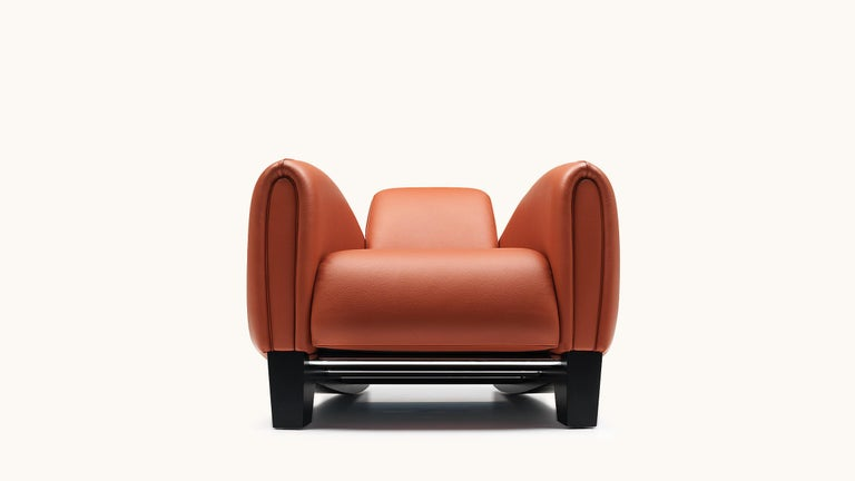 The Bugatti Type 57, an icon of Art Deco design, inspired Franz Romero when he designed the DS-57 armchair for De Sede. The designer not only managed to incorporate the characteristic seating comfort of Bugatti car seats; he also accomplished a