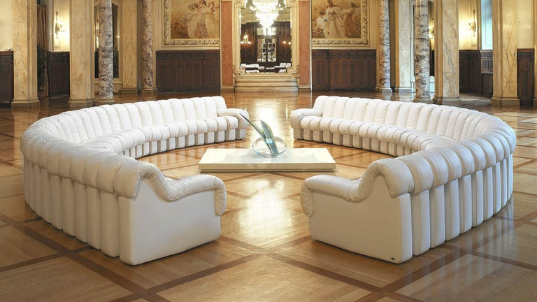 Swiss De Sede DS-600 Snake-Shape Modular Sofa in Nougat Leather & Adjustable Elements For Sale