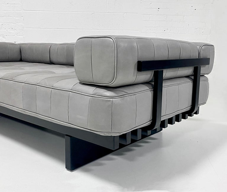 Swiss DeSede DS 80 Leather Daybed Sofa For Sale