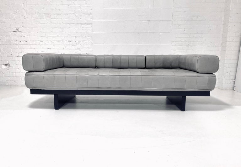 DeSede DS 80 Leather Daybed Sofa In Good Condition For Sale In Chicago, IL