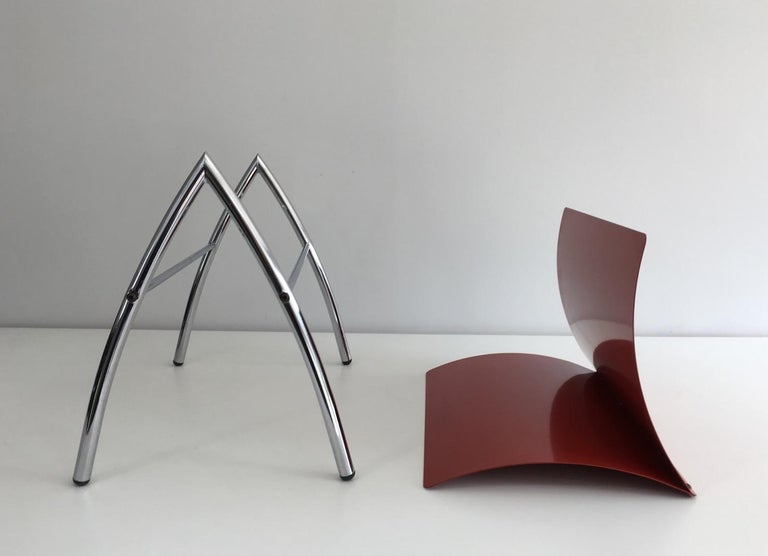 Design Red Lacquered Metal and Chrome Magazine Rack, circa 1970 For Sale 7