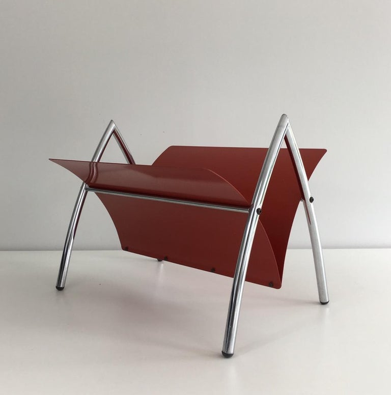 French Design Red Lacquered Metal and Chrome Magazine Rack, circa 1970 For Sale