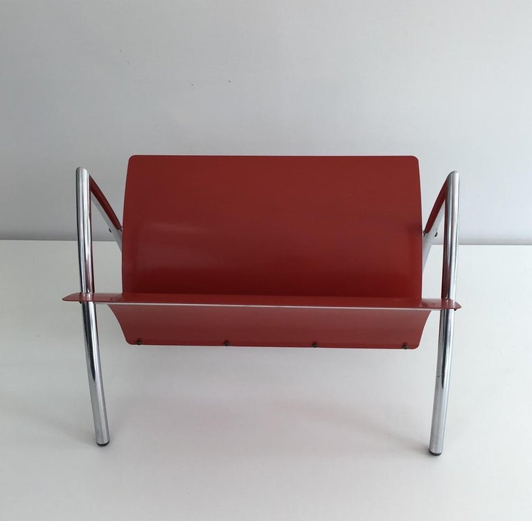 Design Red Lacquered Metal and Chrome Magazine Rack, circa 1970 For Sale 3