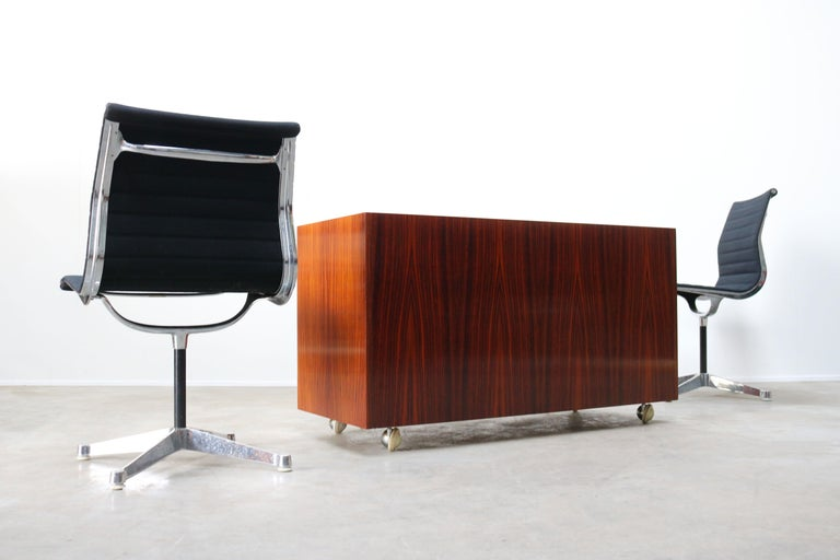 Design Sideboard / Cabinet by Florence Knoll for De Coene Leather Rosewood 1960 In Good Condition For Sale In Ijzendijke, NL