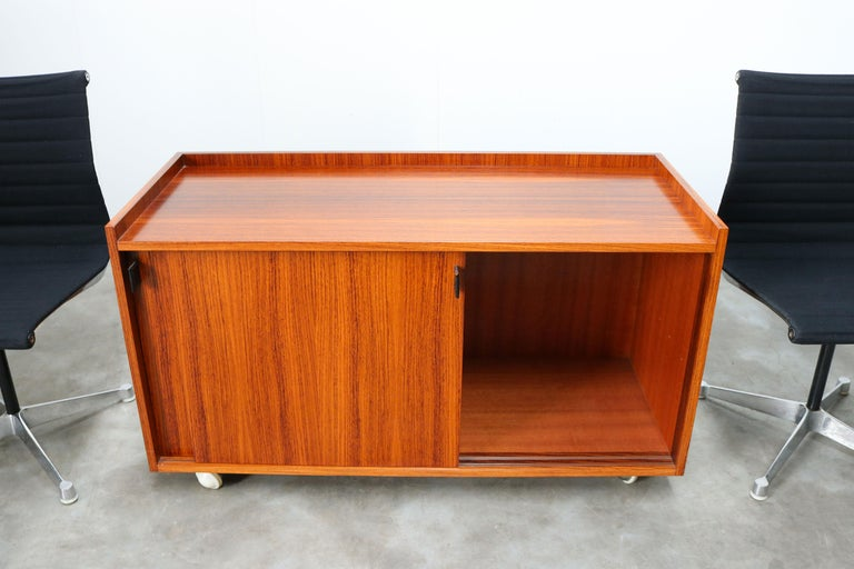 Design Sideboard / Cabinet by Florence Knoll for De Coene Leather Rosewood 1960 For Sale 2