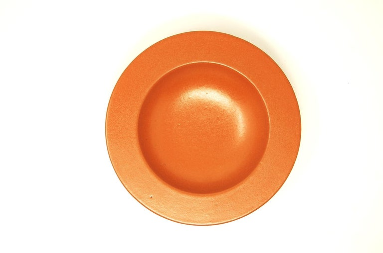 Low pottery bowl, designed by Lee Rosen for Design Technics, circa 1974. Bowl measures 8 3/4