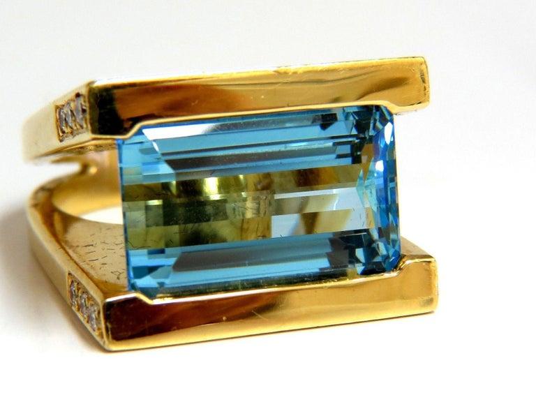 Designer Antongianni 15.20 Carat Natural Aquamarine Diamonds Ring 18 Karat In New Condition For Sale In New York, NY