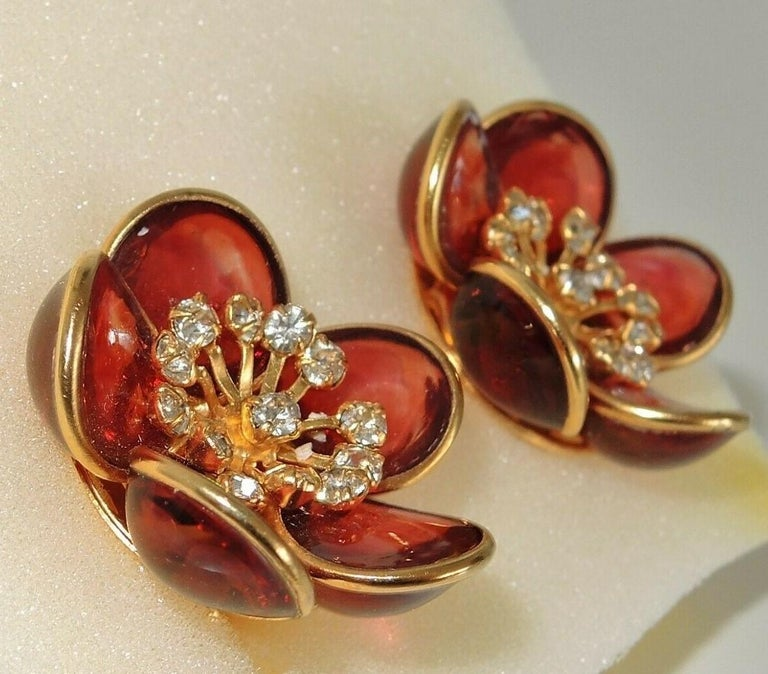 Modern Designer AUGUSTINE Paris by THIERRY GRIPOIX Signed Flower Clip on Earrings For Sale