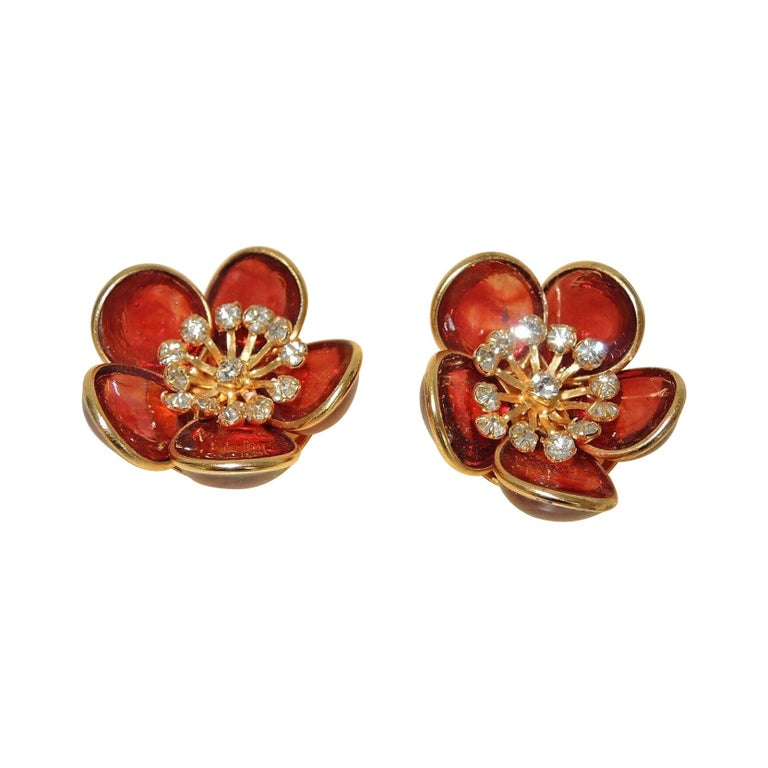 Designer AUGUSTINE Paris by THIERRY GRIPOIX Signed Flower Clip on Earrings For Sale