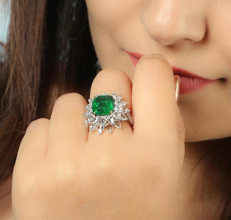 Modern Designer Emerald and White Diamond Ring in 18K white Gold For Sale