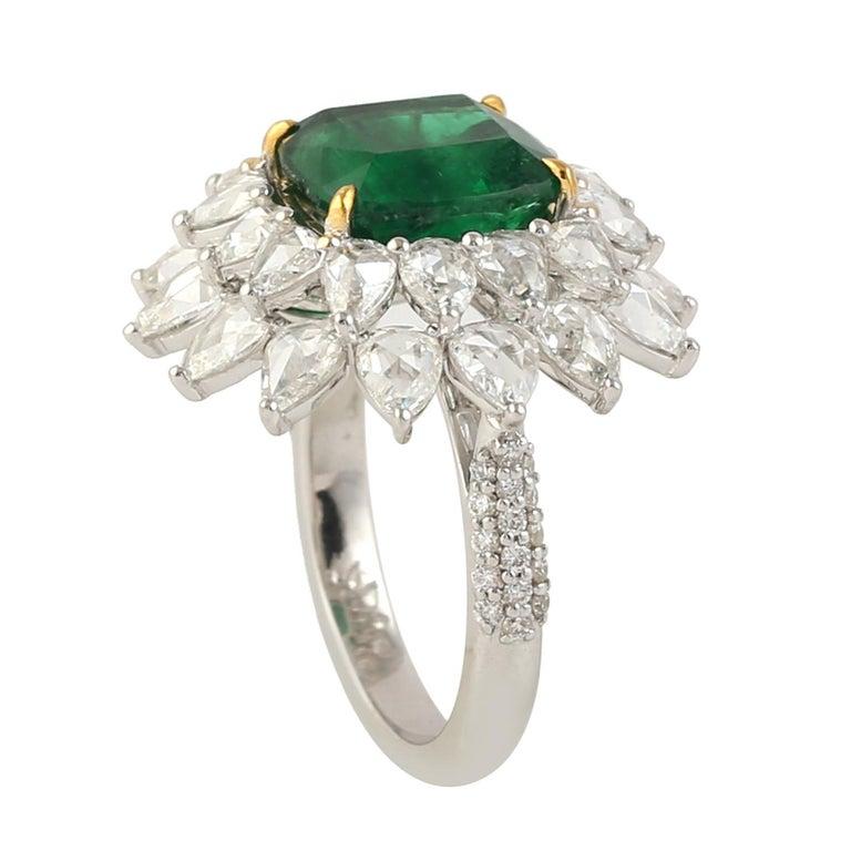 Women's Designer Emerald and White Diamond Ring in 18K white Gold For Sale