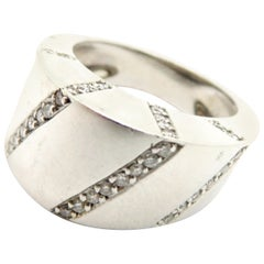 Designer Estate Gregg Ruth 18 Karat White Gold Round Diamond Fashion Ring