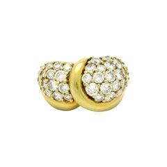 Designer José Hess 18 Karat Yellow Gold 3.20 Carat Round Pave Diamond Ring