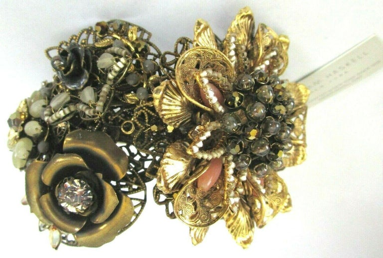 Designer Miriam Haskell Rhinestone Elaborate Flower Clamper Bracelet In New Condition For Sale In Montreal, QC