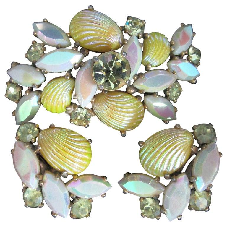 Designer Schiaparelli Lemon Yellow Glass Shell Brooch Pin and Earrings  For Sale