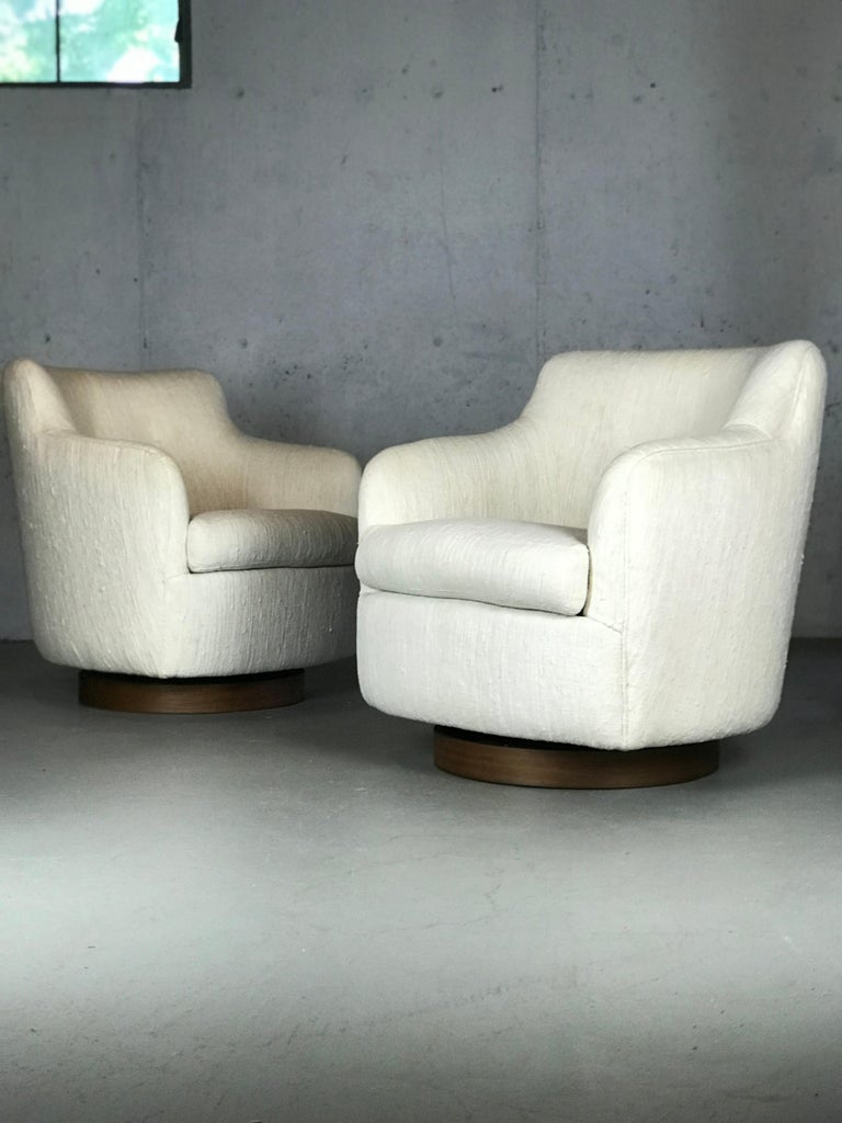 Designer Swivel and Tilt Lounge Chairs by Milo Baughman for Thayer Coggin For Sale 6